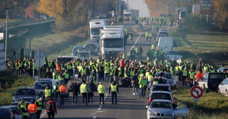 საფრანგეთში მიმდინარე საპროტესტო აქციაზე 1 ადამიანი დაიღუპა, არიან დაშავებულები