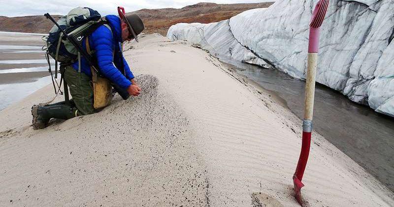 გრენლანდიის ყინულის საფარველის ქვეშ უზარმაზარი კრატერია