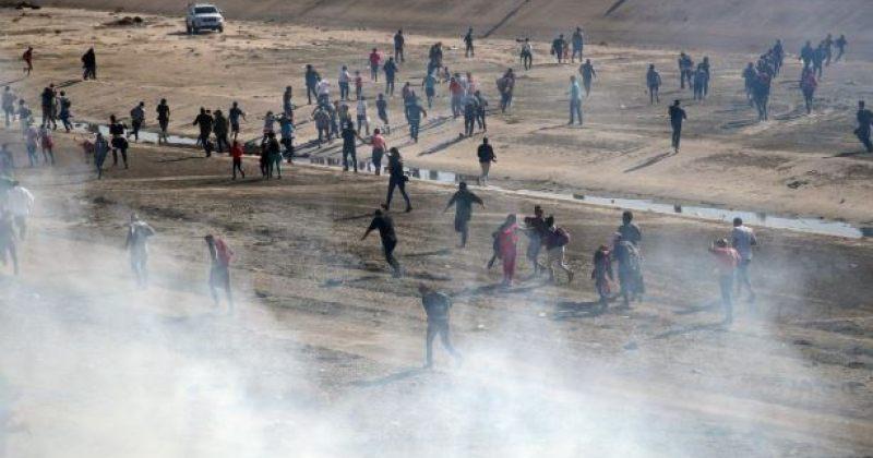 მექსიკა-აშშ-ის საზღვარზე არალეგალი მიგრანტების წინააღმდეგ ცრემლსადენი გაზი გამოიყენეს