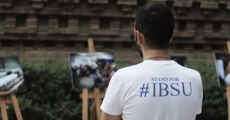 IBSU-ს პირველკურსელთა მიღების უფლება დაუბრუნდა