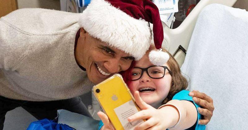 ბარაკ ობამა - ვაშინგტონის ბავშვთა საავადმყოფოს სანტა