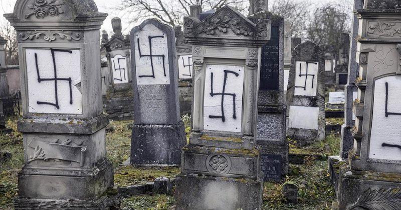 საფრანგეთში, ჰოლოკოსტის მსხვერპლთა სასაფლაოზე ნაცისტური სიმბოლოები დახატეს