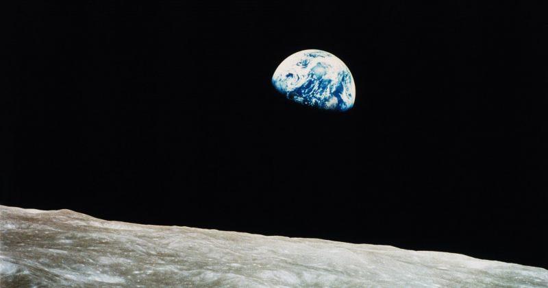 """50 წლის წინ აპოლოს ეკიპაჟის ასტრონავტმა """"დედამიწის ამოსვლა"""" გადაიღო"""