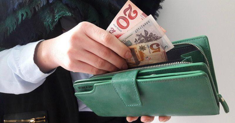 ლარის გაუფასურება გრძელდება, ბანკებში ევრო თითქმის 4.20 ლარი ღირს, დოლარი – 3.48-ზე მეტი