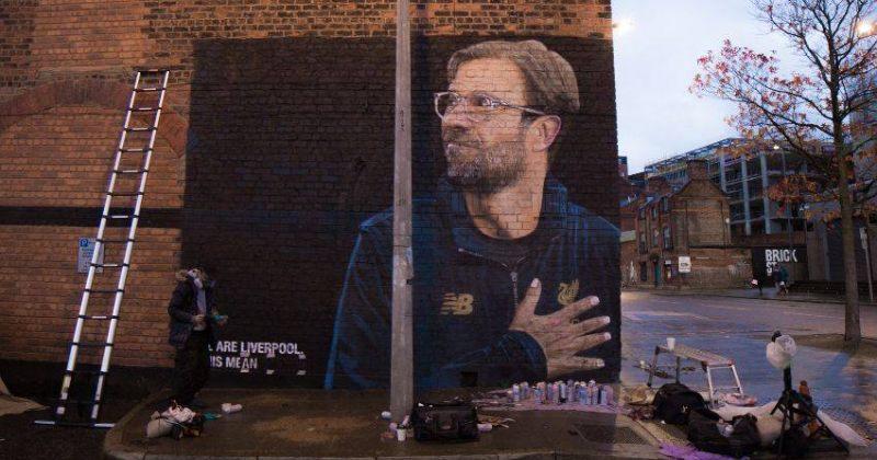 ლივერპულის ცენტრში იურგენ კლოპი კედელზე დახატეს
