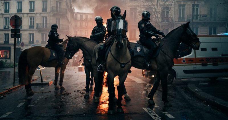 ფოტოები პარიზის საპროტესტო აქციიდან, რომელიც პოლიციასთან დაპირისპირებაში გადაიზარდა