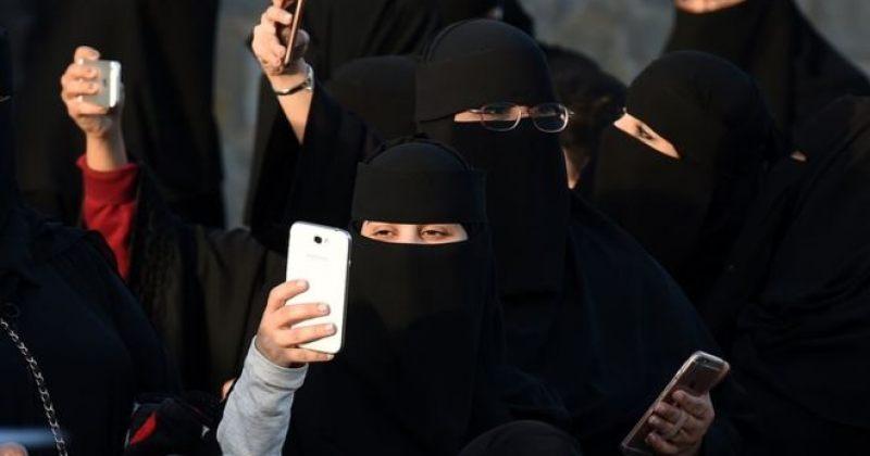 საუდის არაბეთში ქალები განქორწინების შესახებ ცნობას SMS-ით მიიღებენ