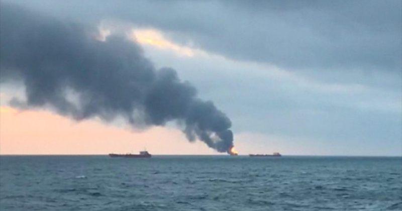 ანექსირებულ ყირიმთან, შავ ზღვაში ორი გემი დაიწვა, დაიღუპა 11 ადამიანი