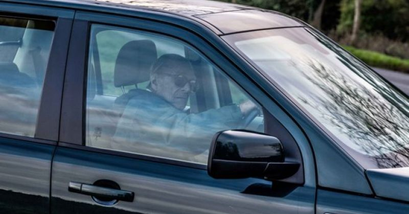 ავარიის შემდეგ 97 წლის პრინცი ფილიპი მართვის მოწმობაზე უარს ამბობს