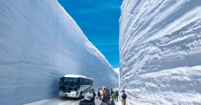 ყველაზე თოვლიანი გზა მსოფლიოში - ზღაპრული სურათები იაპონიიდან