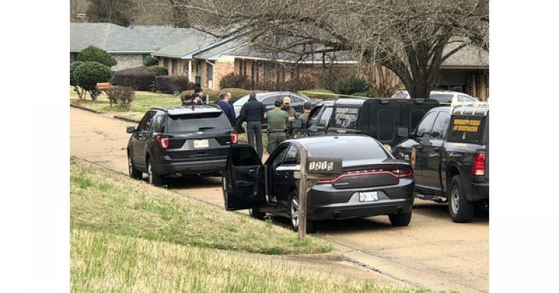 აშშ-ში კაცმა სახლში მძევლები აიყვანა – დაღუპულია 4 ადამიანი