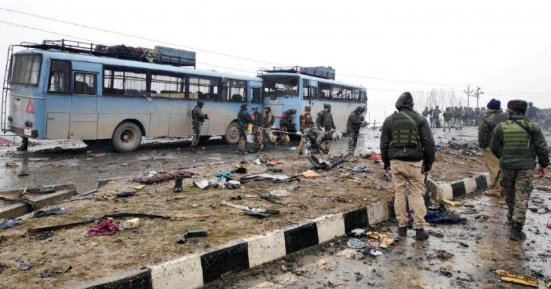 ქაშმირში თვითმკვლელი ტერორისტი ავტობუსს დაეჯახა, დაიღუპა 44 ინდოელი სამხედრო