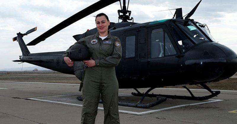 მფრინავმა ქალმა დისკრიმინაციის გამო თავდაცვის სამინისტრო დატოვა, უწყება კი მას უჩივის