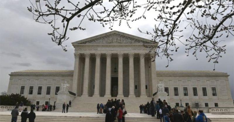 აშშ-ის უზენაესმა სასამართლომ ნასამართლევი მიგრანტების დაკავებას მხარი დაუჭირა