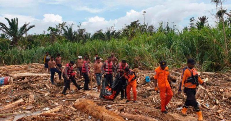 ინდონეზიაში წყალმოვარდნის და მეწყერის გამო სულ მცირე 50 ადამიანი დაიღუპა