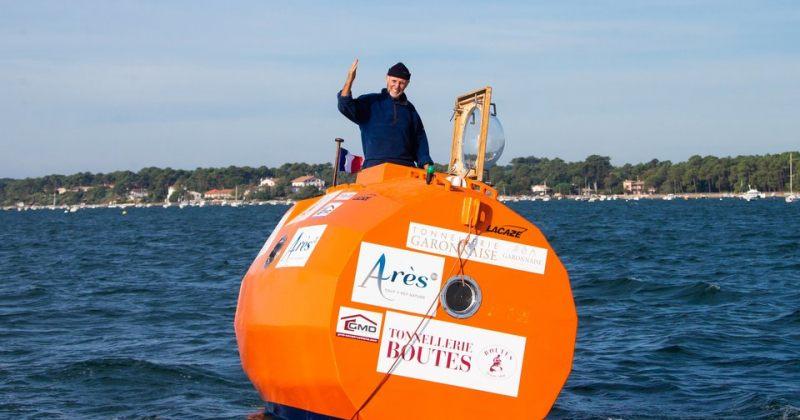 72 წლის ფრანგმა მოგზაურმა ატლანტის ოკეანე 122 დღეში კასრით გადაცურა