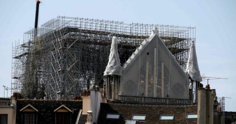 პარიზის ღვთისმშობლის ტაძარს წყალგაუმტარი ქსოვილი გადააფარეს, პარიზში წვიმაა მოსალოდნელი