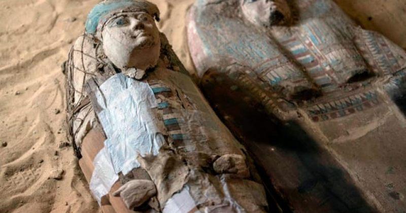 ეგვიპტეში გიზას პირამიდებთან ძვ.წ. 2500 წლის სამარხი აღმოაჩინეს [ფოტოები]