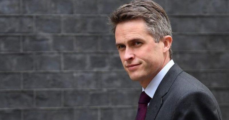 ბრიტანეთის თავდაცვის მინისტრი საიდუმლო ინფორმაციის გამჟღავნების გამო მოხსნეს
