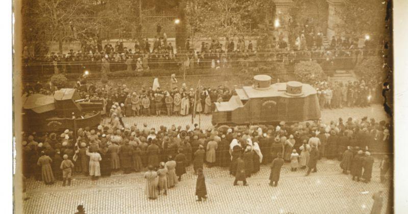 დღის ფოტო: 1919 წლის 12 დეკემბერს ეროვნული გვარდიის აღლუმი იმართება