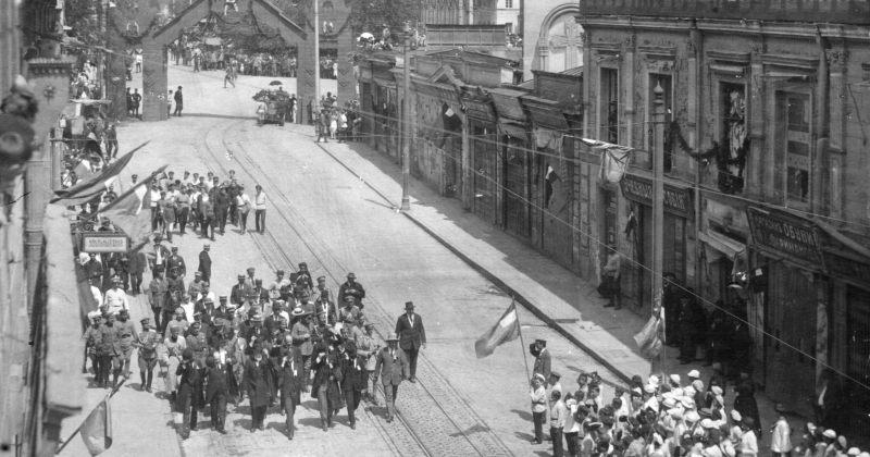 დღის ფოტო: 1919 წლის 26 მაისი - დამოუკიდებლობის გამოცხადების ერთი წლის იუბილე