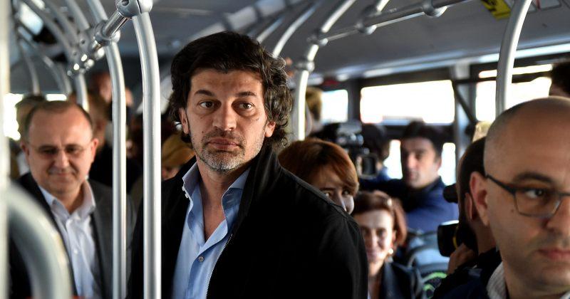კალაძე ახალ ავტობუსებზე: ვინც საზ. ტრანსპორტით სარგებლობს ბედნიერი და გახარებულია