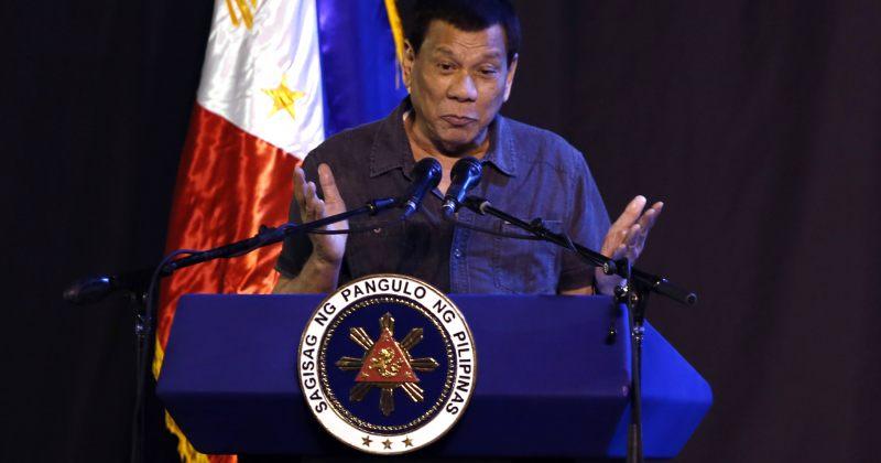 ფილიპინების პრეზიდენტის თქმით გეი იყო და თავი განიკურნა