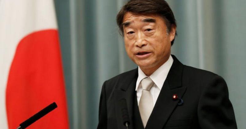 იაპონიის შრომის მინისტრი: შესაფერისია ქალებს სამსახურში მაღალქუსლიანი ფეხსაცმელი ეცვათ