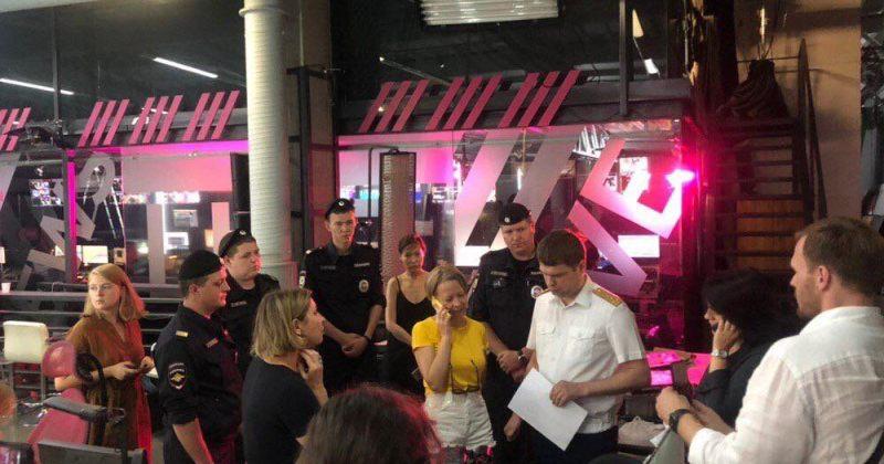ტელევიზიაში Дождь პოლიცია შევიდა, მთავარი რედაქტორი კი დაკითხვაზე დაიბარეს