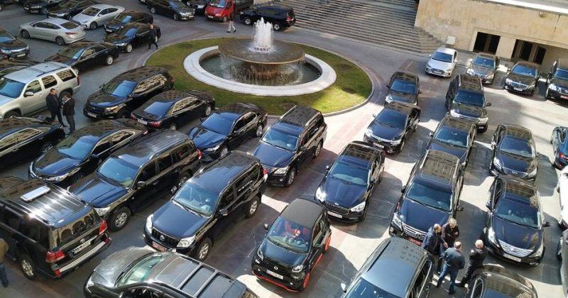 """""""ავტომობილი შეიძლება იყოს ნებისმიერი ფერის, გარდა შავისა"""" - მთავრობა 135 ახალ ჯიპს ყიდულობს"""