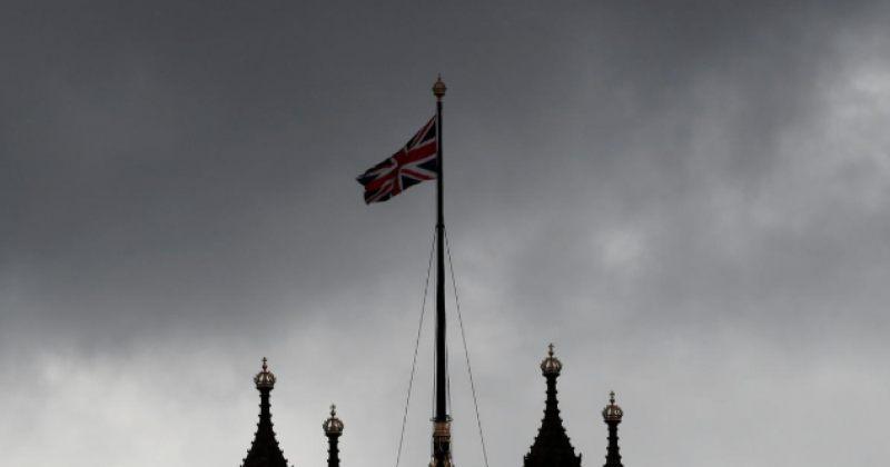 ბრიტანელმა კანონმდებლებმა შეთანხმების გარეშე ბრექსითის გართულებას მხარი დაუჭირეს