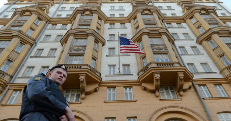 აშშ-ის საელჩო მოსკოვში: რუსეთის ხელისუფლება აგრძელებს მოქალაქეების უფლებების შეზღუდვას