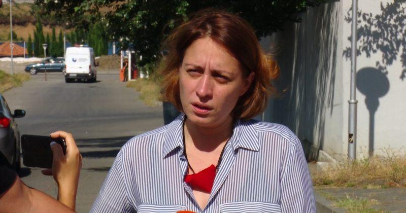 ხოშტარია 20 ივნისის საქმეზე დაკავებულების მოსანახულებლად გლდანის ციხეში შევიდა
