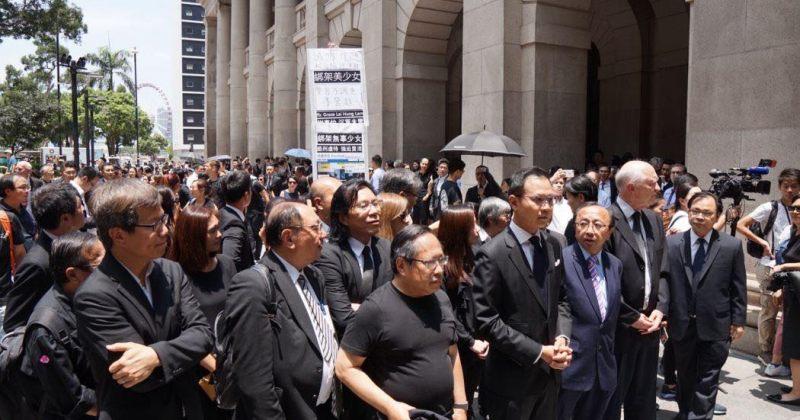 ათასობით ჰონგ-კონგელი ადვოკატი მომიტინგეებზე პოლიტიკური დევნის დასრულებას ითხოვს