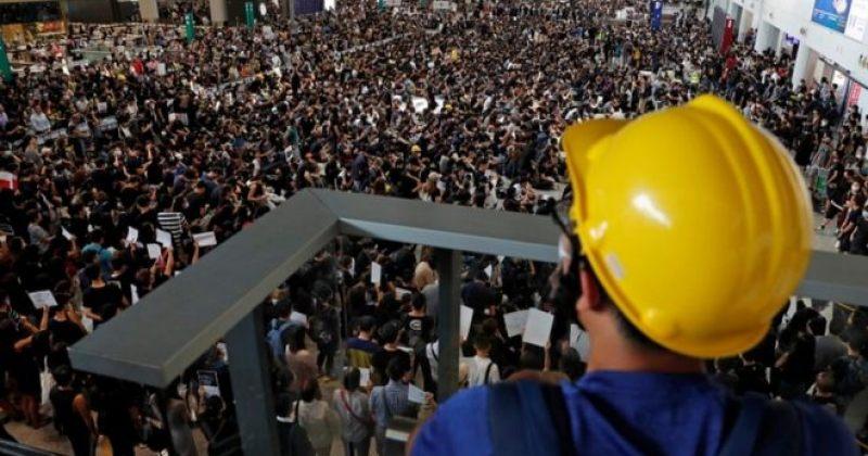 ჰონგ-კონგში ყველა რეისი გაუქმდა, აეროპორტში საპროტესტო აქცია გრძელდება