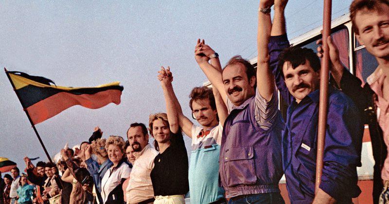 ფოტოები: 30 წელი ბალტიის გზის მშვიდობიანი აქციის შემდეგ