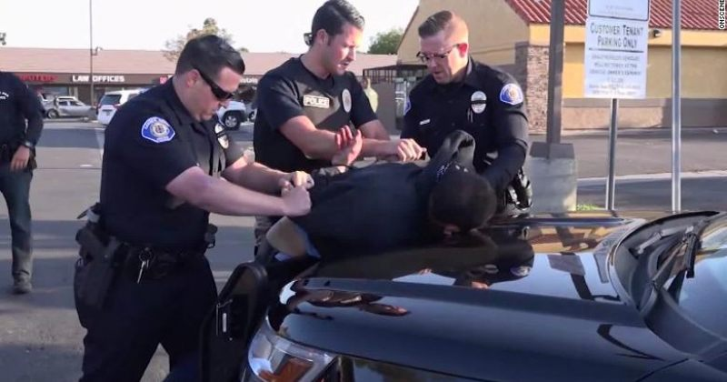 კალიფორნიაში დააკავეს კაცი, რომელმაც ცივი იარაღით 4 ადამიანი მოკლა და 2 დაჭრა