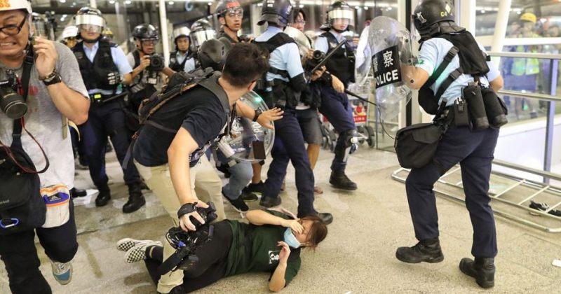 ჰონგ-კონგის აეროპორტში პოლიციამ აქცია დაარბია