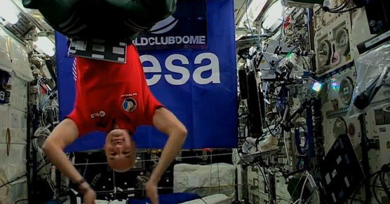 პირველი დიჯეი სეტი კოსმოსიდან - ასტრონავტმა იბიცაზე შეკრებილებისთვის დაუკრა