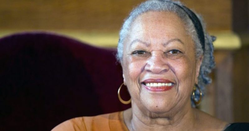 ნობელიანტი მწერალი ტონი მორისონი 88 წლის ასაკში გარდაიცვალა