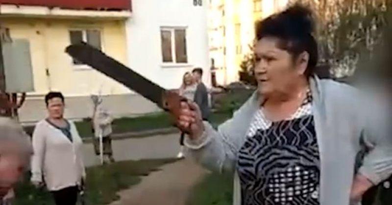 რუსეთში ბებოებმა ბავშვებს აიწონა-დაიწონა ხმაურის გამო გადაუხერხეს