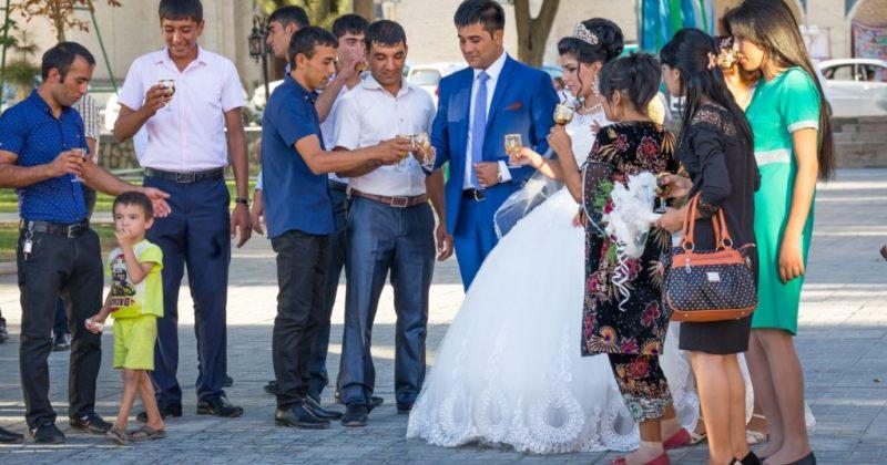 უზბეკეთში მიიღეს კანონი, რომელიც ქორწილში 200 ადამიანზე მეტის დაპატიჟებას კრძალავს