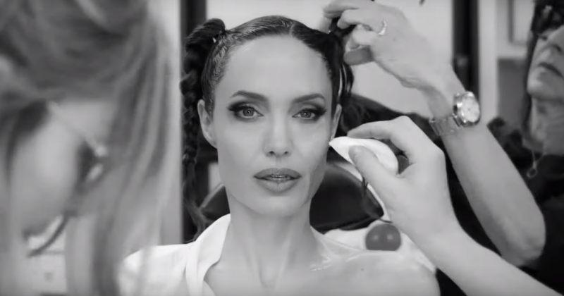 ანჯელინა ჯოლის ტრანსფორმაცია Maleficent-ის როლისთვის - video