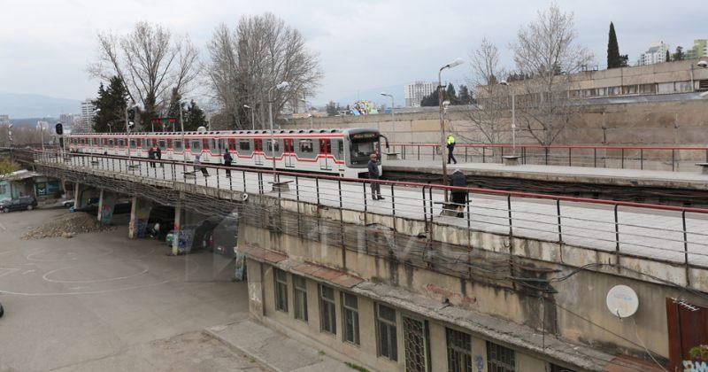 თბილისში, გოცირიძის სადგურზე მოზარდსმატარებელი დაეჯახა