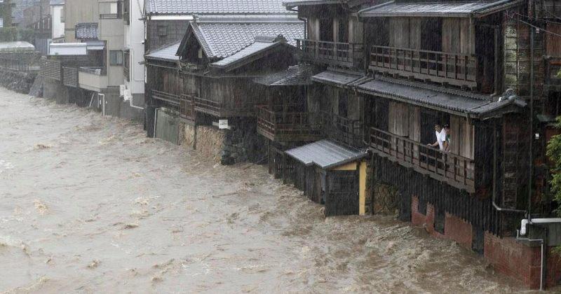 იაპონიაში ტაიფუნს 2 ადამიანი ემსხვერპლა, 60 დაშავდა