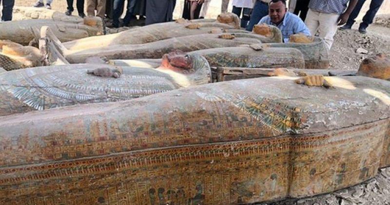 ეგვიპტეში არქეოლოგებმა 20-ზე მეტი ხის უძველესი სარკოფაგიაღმოაჩინეს