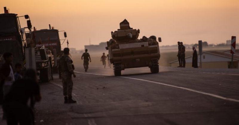 სირიაში თურქეთის სამხედრო ოპერაცია გრძელდება, სახლების დატოვება ათასობით ადამიანს მოუხდა
