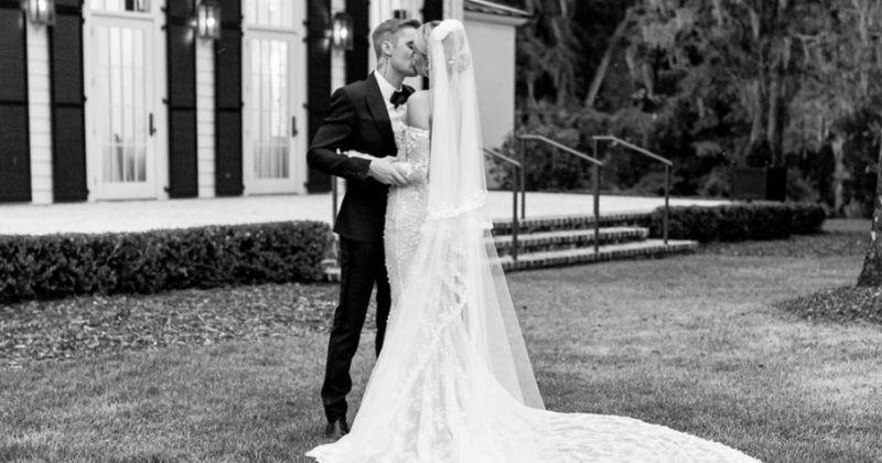 """""""სანამ სიკვდილი არ დაგვაშორებს"""" - წარწერა ჰეილი ბოლდუინის საქორწილო კაბაზე"""