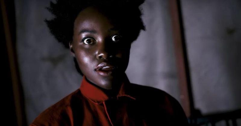 ვიდეო: ლუპიტა ნიონგო  ჰელოუინის დღესასწაულზე ხალხს აშინებს
