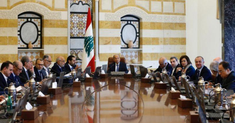 ლიბანში აქციების პასუხად მთავრობა მინისტრების ხელფასებს გაანახევრებს